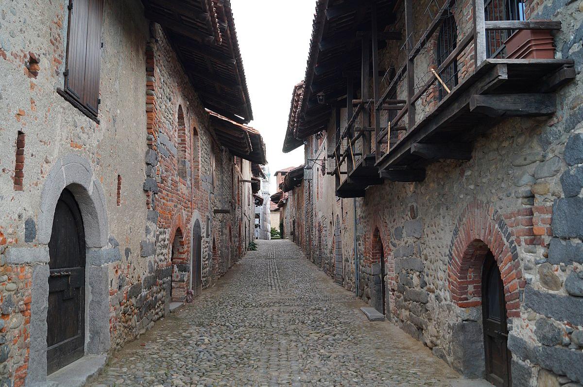 Ricetto_medievale_di_Candelo
