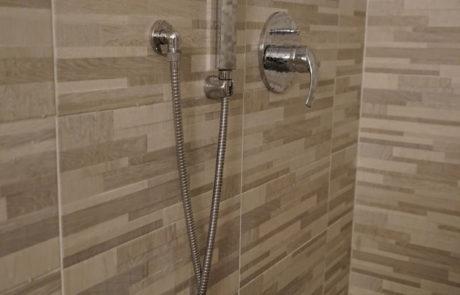 bagno per disabili al B&B Antiche Pietre